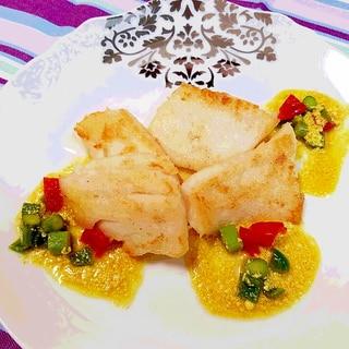 色鮮やかなソース白身魚のムニエル♪簡単美味しい♪