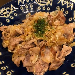 豚肉とキャベツの蒸し焼き♪お好みソース味^_^