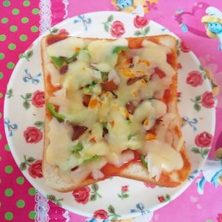 鮪の角煮のピザトースト