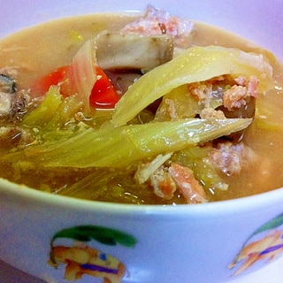 鮭中骨缶で  白菜スープ