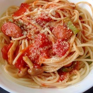 トマト缶でナポリタン