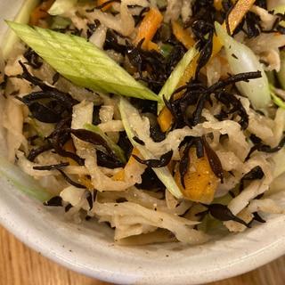 セロリと人参とひじきと切干のサラダ