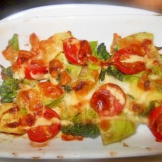 アボガド、ミニトマト、ブロッコリーのマヨチーズ焼き