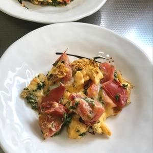 おつまみに~☆たっぷりパセリ&トマトの卵とじ