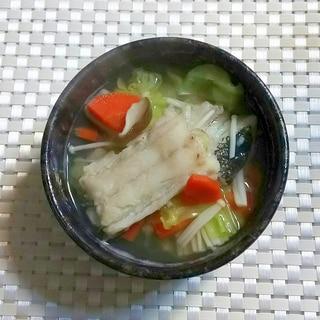 白だしで優しい味☆タラとキャベツの鍋