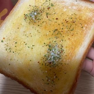 蜂蜜とマジックソルトの甘じょっぱトースト
