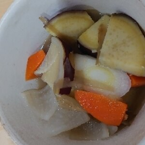 ほくほく甘~い♪サツマイモの具だくさんのお味噌汁