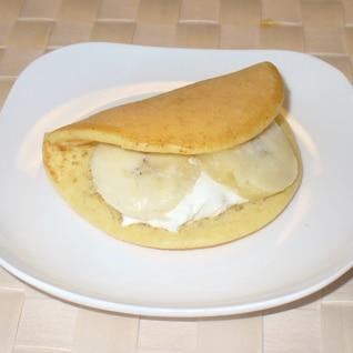 ミックスフルーツのワッフル風ホットケーキ