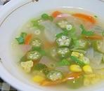 おくらのコンソメスープ