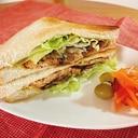 大豆ミートのサンドイッチ