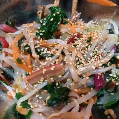スイスチャード3品目。小松菜の代わりにスイスチャードを入れて作りました。野菜をたっぷり食べることが出来ました。