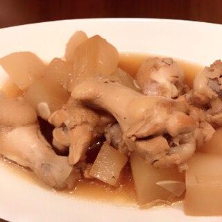 ニンニク味が最高!鶏手羽元と大根のさっぱり煮