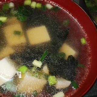 豆腐と海苔の中華風スープ