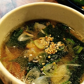 茅乃舎野菜だしで胡麻油香るわかめスープ