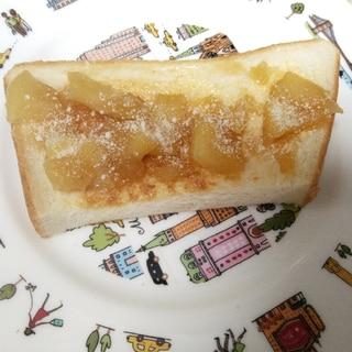 林檎ジャムと粉チーズのトースト