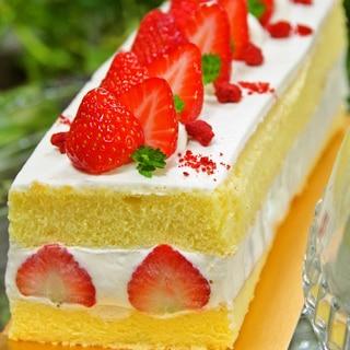HMで簡単♡苺のショートケーキ♪誕生日や記念日にも