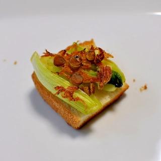 チンゲン菜炒め&小えび&レンズ豆deおつまみパン
