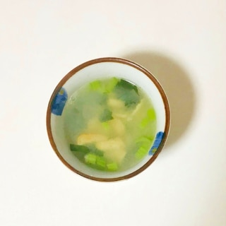 鰹節粉で小松菜の味噌汁