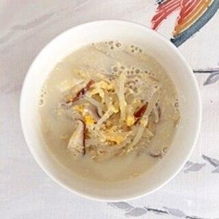もやしと椎茸の豆乳スープ