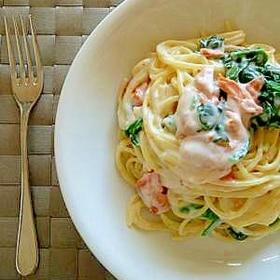 レンジde簡単ホワイトソース☆鮭のクリームパスタ