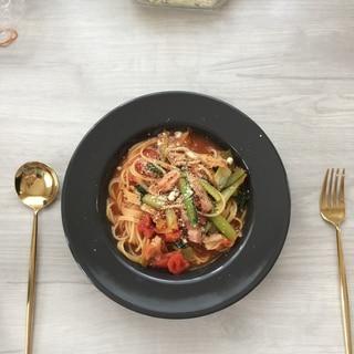 小松菜とベーコンのトマトスープのパスタ
