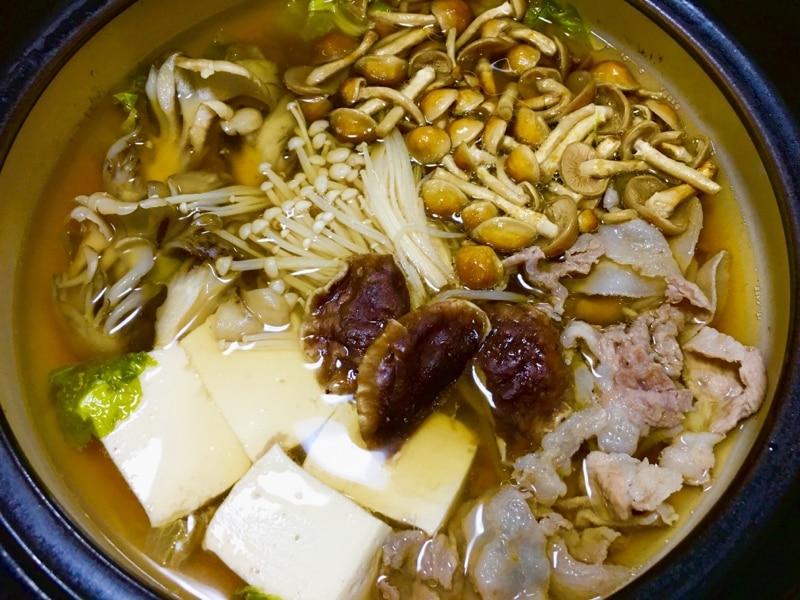 きのこ 鍋 レシピ きのこ鍋のレシピ11選!醤油・味噌の味付けが定番!