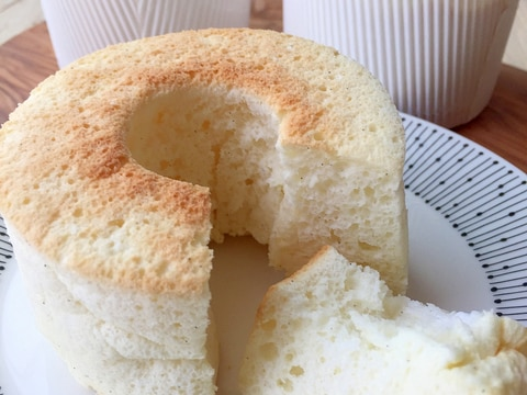 卵白消費に♪バター不使用!HMで簡単シフォンケーキ