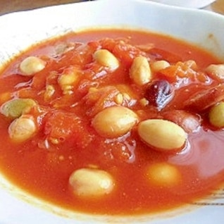 ソーセージと豆のトマトスープ