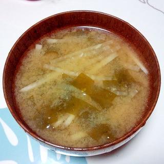 わかめと大根の味噌汁++