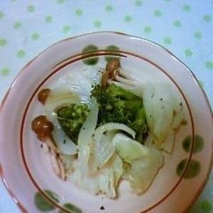 柚子こしょうでピリッ★きのことブロッコリーのソテー
