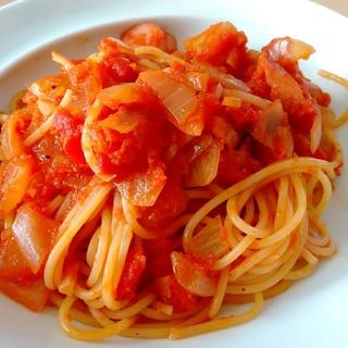 トマトとケチャップで作る自家製ナポリタン