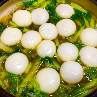 市販品で簡単♪ふかひれ餃子入り白菜小松菜鍋♡