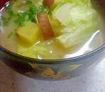 キャベさつまの白味噌汁