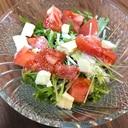 水菜トマトチーズの彩りサラダ