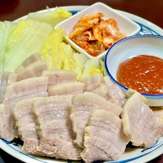韓国風茹で豚(ポッサム) と絶品タレ