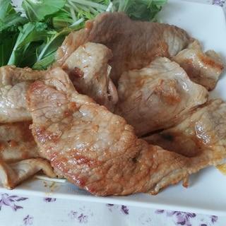 ほんのりピリ辛で大人の味!豚肩ロースで簡単生姜焼き