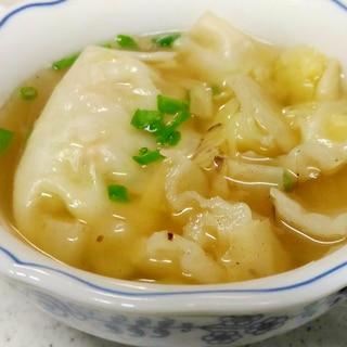 キャベツと餃子の中華スープ