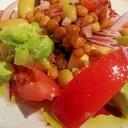 レンズ豆とアボカド&トマトのあっさりサラダ
