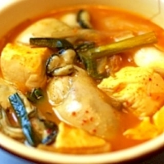 熱々!! 簡単・牡蠣のチゲ鍋