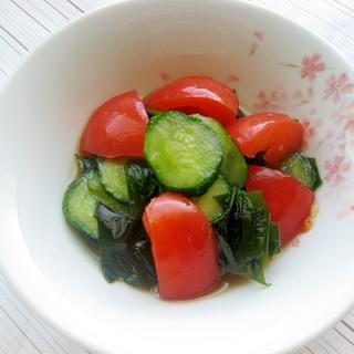 簡単☆トマトとキュウリとワカメのワサビ風味旨サラダ