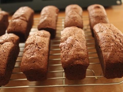 ミニパウンドチョコレートケーキ