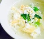ふんわり卵とレタスのなんちゃって中華スープ