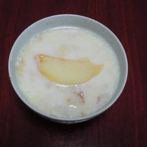 果汁たっぷり!ヒンヤリ冷たい桃のスープ