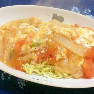 トマトと白菜とたまごのあんかけ焼きそば