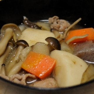 きのこタップリ!豚肉で味噌芋煮