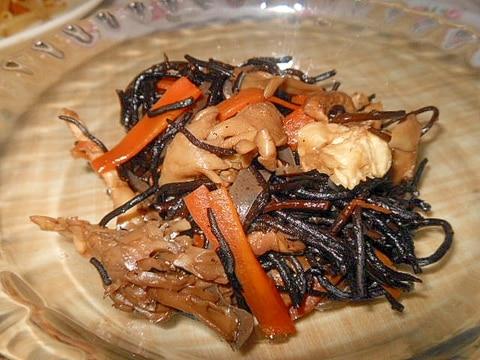 舞茸とひじきの煮物
