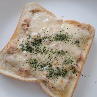 おつまみにツナトースト♪