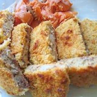 魚焼きグリルで鮭と冷凍コロッケを焼く。