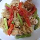 夏バテに♪ 鶏肉と夏野菜のカレー炒め