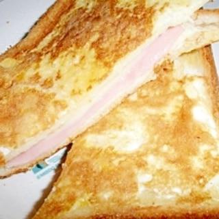 卵トーストハムチーズサンド